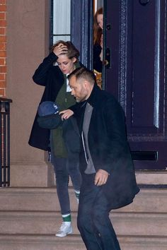 Kristen Stewart Visits Julianne Moore At Condo: Did She Bring Alicia Cargile To Announce New Dating Romance?