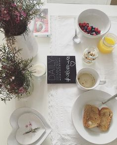 """""""Bom dia, meus amores queridos.  #tgif #breakfast #homemade #with #much #love #to #my #loves"""""""