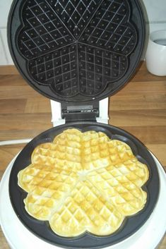 Waffeleisen für Waffeln Waffle Iron, Waffles, Food And Drink, Kitchen Appliances, Desserts, Super, Puddings, Cakes, Snacks