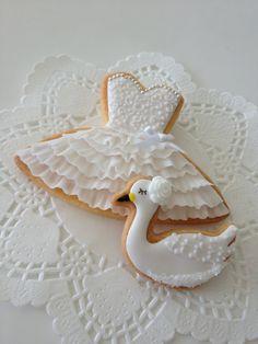 Frivolous Fabulous - Pretty White Cookies