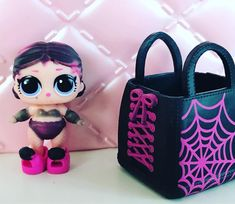 LIL COUNTESS - FROM THE NEW SERIES 4 WAVE 1 LIL SISTERS COLOUR CHANGED ! #luppg #louisesunicornpowerpuffgirl #lilsistersseries4wave1 #series3wave2 #lolsurpriselilsisters #lolsurprise #lolsurprisedoll #lolsurprisedolls #lolsurprisedollscollector #collectlol #lolsurpriseseries1 #lolsurpriseseries2 #lolsurpriseseries3 #lolsurprisepearlsurprise #lolsurprisepearl #limitededition #lols #lolsurpriselilsisters #lolsurpriseconfettipop #lolsurpriseconfettipopsurpriae #lolconfetti #lolconfettisurprise…
