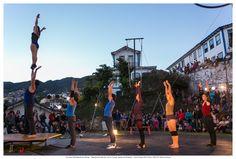 """Espetáculo Circense """"Na Esquina"""" - 31/08/2013 - Projeto Spasso Manutenção de Atividades Circenses - Largo do Rosário, Ouro Preto"""
