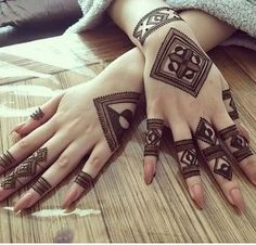 Your Comments About This Hand Henna/Mehndi Design!Fascinating new year mehndi designs for hands and arms are just perfect for enhancing your beautiful appearance and personality. Hardly, there would be any woman who has not applied mehndi on her and Henna Hand Designs, Dulhan Mehndi Designs, Mehandi Designs, Mehndi Designs Finger, Mehndi Designs For Girls, Modern Mehndi Designs, Mehndi Design Pictures, Mehndi Designs For Fingers, Arabic Mehndi Designs
