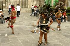 Men who dance Concheros - Blog Benetton