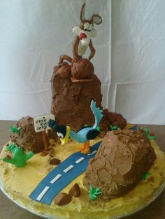 1000+ images about Looney Tunes Cakes on Pinterest ...