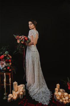 Les robes de mariée de Velvetine | Photographe : Sarah Couturier | Donne-moi ta main - Blog mariage Wedding Gowns, Lace Wedding, Maternity Pictures, Wedding Planner, Photos, Clothes, Fashion, Vestidos, Bohemian