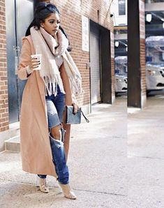 Long camel coat and huge scarf outfit with distressed denim jeans. Love this look! Winter Outfits For Teen Girls, Winter Fashion Outfits, Fall Winter Outfits, Look Fashion, Autumn Winter Fashion, Womens Fashion, Summer Outfits, Winter Clothes, Fashion Styles