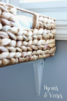 DIY Hanging Janela Basket Cat Perch