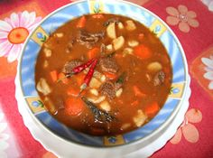 A recipe for true, authentic, Hungarian Gulash... FINALLY! My Hungarian taste buds will be satisfied!