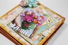 Mini álbum de caja de galletas 31 Scrapbook Albums, Gift Wrapping, Frame, Happy, Gifts, Decor, Mini Albums, Blue Prints, Gift Wrapping Paper