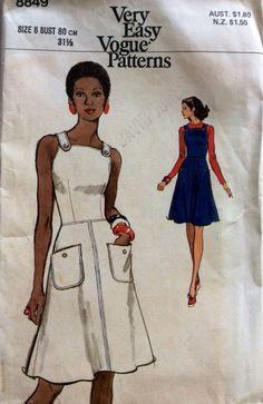 1970s sundress Vogue 8849 vintage sewing pattern Bust 31.5 Waist 24 Hip 33.5 Retro 70s dress with bib front shoulder strap & button detail V by 101VintagePatterns on Etsy