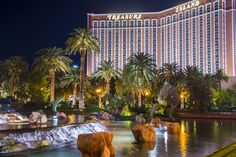 Sometimes lounging by the pool with a drink is treasure enough. Best Las Vegas Hotels, Money Power Glory, Last Vegas, Vegas Lights, Hotel Pool, Hotel Interiors, Lodges, Resorts, Owls
