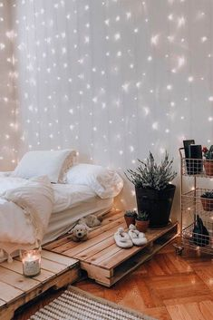 21 Cozy Decor Ideas With Bedroom String Lights Mesmerizing decoration id. - 21 Cozy Decor Ideas With Bedroom String Lights Mesmerizing decoration ideas with bedroom st - Diy Wall Decor For Bedroom, Cute Bedroom Ideas, Small Room Bedroom, Modern Bedroom, Master Bedroom, Bedroom Ideas For Small Rooms Cozy, Contemporary Bedroom, Bedroom Inspo, Serene Bedroom