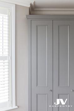 shaker beaded doors with cornice Alcove Wardrobe, Joinery Design, Bedroom Cupboard Doors, Diy Cupboards, Bedroom Built Ins, Built In Cupboards, Wardrobe Door Designs, Build A Closet, Bedroom Built In Wardrobe