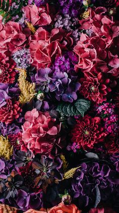 Vintage Flowers ★ Download more floral iPhone Wallpapers at @prettywallpaper