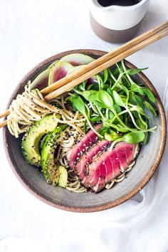 Zen Noodle Bowl- loaded up with fresh seasonal veggies and a delicious Ponzu Dressing, this healthy bowl can be made with seared ahi tuna or sesame ginger tofu. Vegan and Grain-free adaptable! ( Try it with zucchini noodles!) #noodles #ahi #bowls #healthy #ponzu