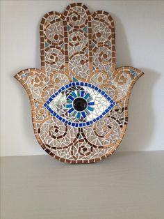 Mosaic Tile Art, Mosaic Artwork, Mosaic Diy, Mosaic Garden, Mosaic Crafts, Mosaic Projects, Mosaic Glass, Evil Eye Hand, Hamsa Design