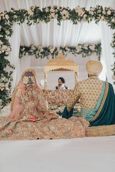 Sikh Wedding Decor, Indian Wedding Outfits, Bridal Outfits, Indian Weddings, Romantic Weddings, Hindu Weddings, Indian Wedding Decorations, Punjabi Wedding Couple, Desi Wedding