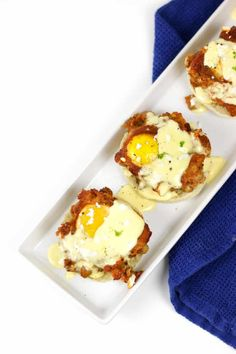 Shakshuka Eggs Benedict is a dish that's sure to impress! Poach eggs in chickpea tomato sauce and serve on English muffins with feta and hollandaise sauce. Best Breakfast Recipes, Brunch Recipes, Breakfast Pizza, Mexican Breakfast, Breakfast Sandwiches, Breakfast Bowls, Breakfast Ideas, Eggs Benedict Recipe, Egg Benedict