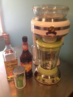 How to Make a Margarita Jimmy Buffett Would Be Proud Of a Margaritaville Machine will work the best for this recipe.but if you don't have one, a blender should work just fine - it just won't be as fun. Margaritaville Margarita Machine, Margaritaville Mixer, Margaritaville Machine Recipes, Bar Drinks, Cocktail Drinks, Alcoholic Drinks, Cocktail Ideas, Drinks Alcohol, Alcohol Recipes