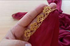 Kaçak Gelinler Çıtı Pıtı Kibar Tığ İşi Yapılışı | Kolay Hobiler Knitted Poncho, Knitted Shawls, Knit Shoes, Sweater Design, Knitting Socks, Crochet Lace, Hand Embroidery, Gold Rings, Brooch