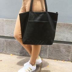 cartera-carteras-carteras de cuero-carteras de moda- carteras Peru-carteras Lima- carteras en oferta-handbags-bags-fashion bags-leather bags-PLUMSHOPONLINE.COM - Disfruta de una cartera exclusiva que combina con todo!!! GINA  Consíguela AHORA con envio GRATIS y RÁPIDO en la tienda online de PLUM:  http://ift.tt/2wz4UNo o en el enlace de nuestro perfil @plumshoponline