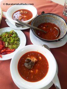 SABRES, TIMISOARA, ROMANIA - Ciorba de peste dunareana. Romanian Food, Food Obsession, Supe, Thai Red Curry, Chili, Seafood, Pudding, Cooking, Ethnic Recipes