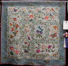 Beautiful applique floral design. Quilt
