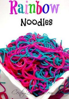 Rainbow Noodles recipe – Kids friendly dinners for picky eaters Rainbow Pasta, Rainbow Food, Neon Rainbow, Cute Food, Good Food, Yummy Food, Unicorn Food, Unicorn Party, Snack Recipes