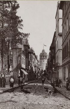 Galata Tower from Büyükhendek Caddesi Turkish Architecture, Cultural Architecture, Empire, Historical Pictures, Istanbul Turkey, Photo Archive, Vintage Photographs, Old Photos, Aesthetic Wallpapers