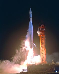 https://flic.kr/p/fq1zhS   Mariner 1 Launch   (July 22, 1962) An Atlas-Agena 5 carrying the Mariner 1 spacecraft lifting off from Cape Kennedy Launch Complex 12. The Mariner spacecraft was scheduled to orbit Venus.   Image # : 62PC-0065