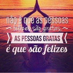 <p></p><p>Não é que as pessoas felizes são gratas, as pessoas gratas é que são felizes.</p>