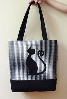 Pictures on request to sew a baby bag Patchwork Bags, Quilted Bag, Handmade Handbags, Handmade Bags, Cat Bag, Diy Purse, Jute Bags, Bag Patterns To Sew, Tote Pattern