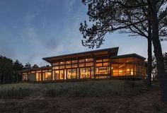 Modern Summer Home Assembling Panoramic Ocean Views - http://freshome.com/2015/03/20/modern-summer-home-assembling-panoramic-ocean-views/