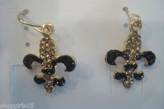 NEW!  FLEUR DE LIS RHINESTONE BLACK AND GOLD COLOR  EARRINGS ARE REALLY CUTE!!