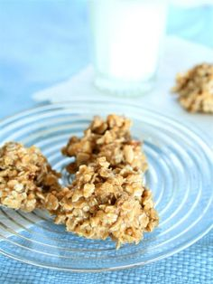 Health Peanut Butter Freezer Cookies ½ cup organic peanut butter ½ cup raw honey ¼ cup chopped, dried organic figs ¼ cup chopped, raw almonds 1 ½ – 2 ½ cups old fashioned oats Pinch of sea salt Nutritional Info: Cals: 116, Fat: 5g, Sodium: 68mg, Carbs: 16g, Sugars: 11g, Protein: 3g