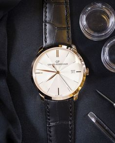 The new Girard-Perregaux 1966 with Guilloché Dial. Available for him and for her.---- Thu-5-Nov-2015-5:59--15º-72%-wind-SO4kh-ksemberg-Arg - big face mens designer watches, designer mens watches online, gold mens watches