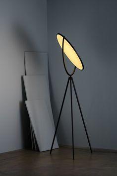 Buy online Superloon By flos, adjustable floor lamp design Jasper Morrison, home collection - floor Collection Contemporary Floor Lamps, Modern Floor Lamps, Contemporary Interior Design, Modern Interior, Luxury Lighting, Modern Lighting, Lighting Design, Lighting Ideas, Black Floor Lamp