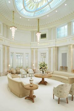 The Phoenix Arizona Temple of The Church of Jesus Christ of Latter-day Saints (© 2014 by Intellectual Reserve, Inc.)