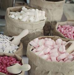 Ces jolis détails... Wedding Candy Table, Candy Bar Party, Wedding Sets, Wedding Themes, Grazing Platter Ideas, Candy Stand, Bar A Bonbon, Samantha Wedding, Dessert Buffet