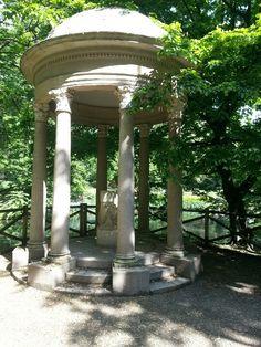 A lovely place in the garden of Modern Art Gallery in Milan,Porta Venezia
