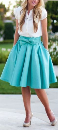 bow skirt: kind of looks like one of 's skirts…. Bow Skirt, Dress Skirt, Pleated Skirt, Satin Skirt, Prom Dress, Look Fashion, Womens Fashion, Fashion Ideas, Spring Fashion
