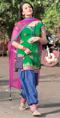 """Love the colors, Sonakshi in """"Rowdy Rathore"""""""