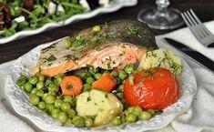 Запеченная форель с овощами