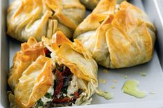 Mushroom and cheese parcels recipe, NZ Womans Weekly – These easy to make parcels are a delicious taste sensation Try using different types of cheese for different taste combinations – bite.co.nz