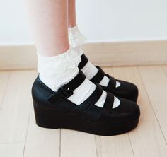 ♥ Who knew sandals and socks go so well together?!? ♥