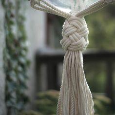 Turkish knot #frostadesign #planthanger #macrame #makrame #ampel #turkishknot #modernmacrame