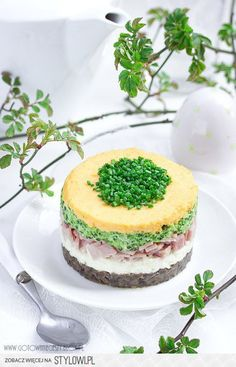 Bunny cake for Easter na Stylowi. Easter Recipes, Holiday Recipes, Cake Sandwich, My Favorite Food, Favorite Recipes, Good Food, Yummy Food, Brunch, Russian Recipes