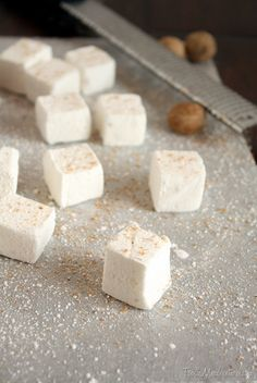 Homemade Eggnog Marshmallows -- great idea for a Christmas food gift #DIY