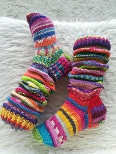 Sock Toys, Cool Socks, Diy And Crafts, Knitting, Handmade, Accessories, Clothes, Fashion, Socks